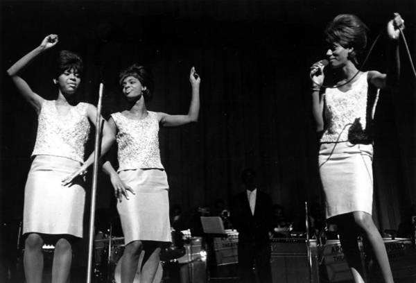 Apollo Theater Photograph - The Velvelettes by Michael Ochs Archives