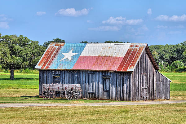 Photograph - The Wagon And Texas Roof Barn by JC Findley