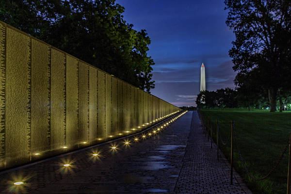 Photograph - The Wall At Dawn by Rod Best