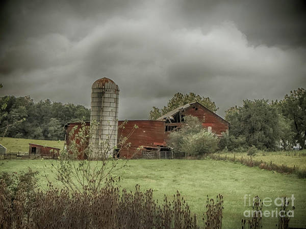 Photograph - Threatening Skies by Judy Hall-Folde
