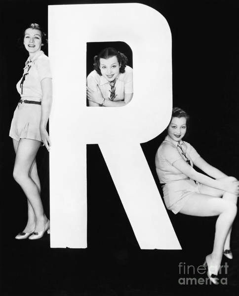 Wall Art - Photograph - Three Women Posing With Huge Letter R by Everett Collection