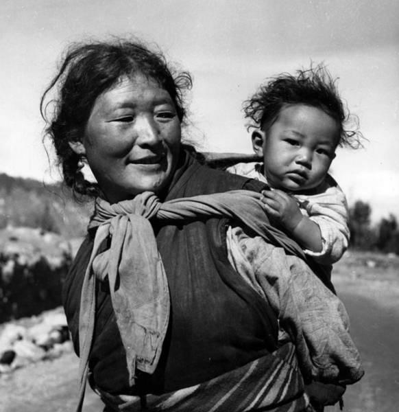 Wall Art - Photograph - Tibetan Family by Bert Hardy