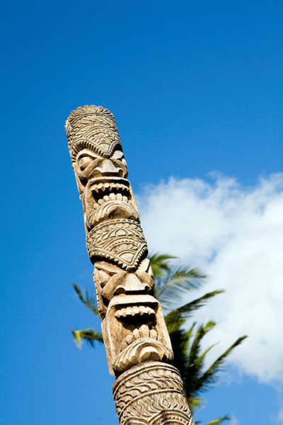 Art And Craft Photograph - Tiki In A Public Park by Rasimon