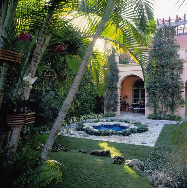 Palm Beach Photograph - Tiled Fountain, Palm Beach, Florida by Richard Felber