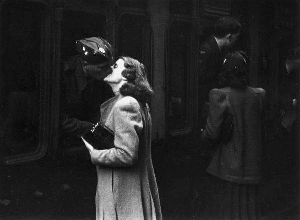 Photograph - Till We Meet Again by Bert Hardy