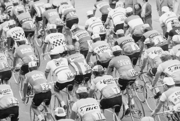 Crowd Photograph - Tour De France by Mccabe