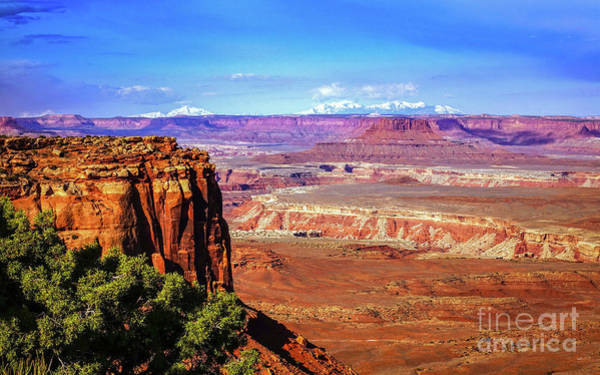 Toward The West In Canyonlands Art Print by Bob Lentz