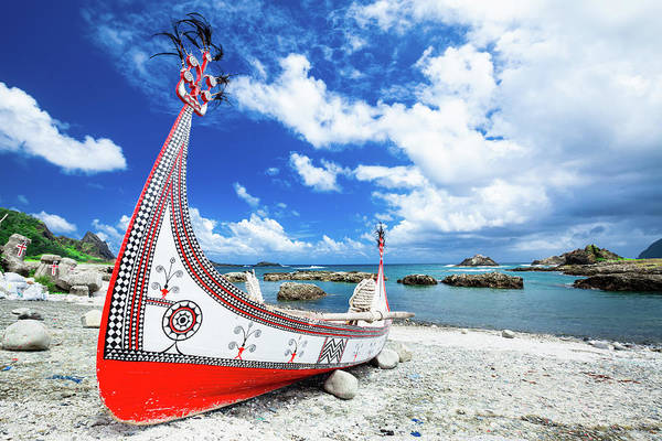 Taiwanese Wall Art - Photograph - Traditional Boat In Lanyu Island by Wan Ru Chen