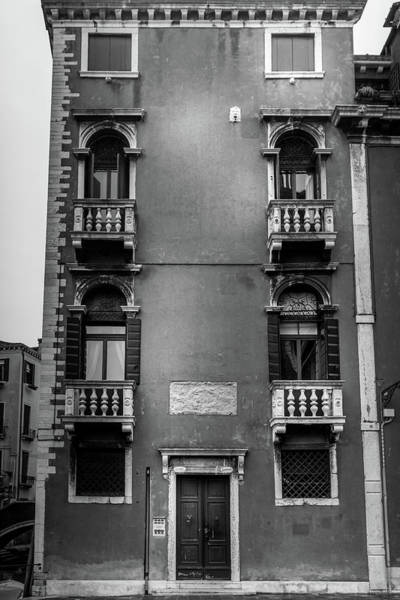 Photograph - Traditional House - Venice Italy by Georgia Fowler