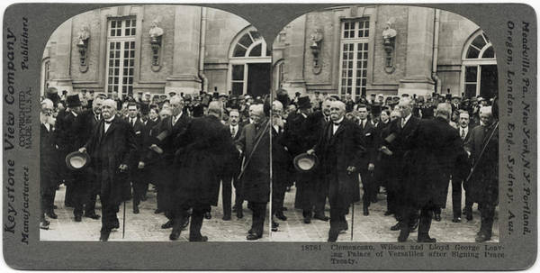 Versailles Wall Art - Photograph - Treaty Of Versailles by Hulton Archive