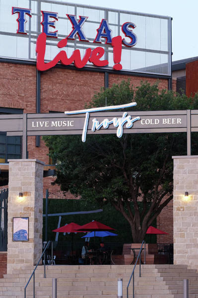 Photograph - Troy Aikman's Restaurant Texas Live 61219 by Rospotte Photography