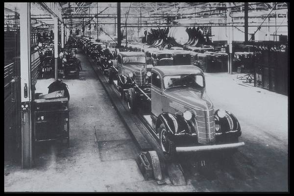 Manufacturing Plant Wall Art - Photograph - Trucks On Assembly General Motors, Sao by Archive Holdings Inc.