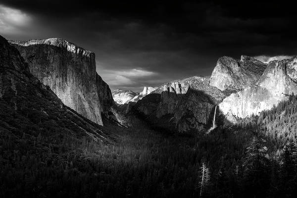 Wall Art - Photograph - Tunnel View Evening by Andrew Soundarajan