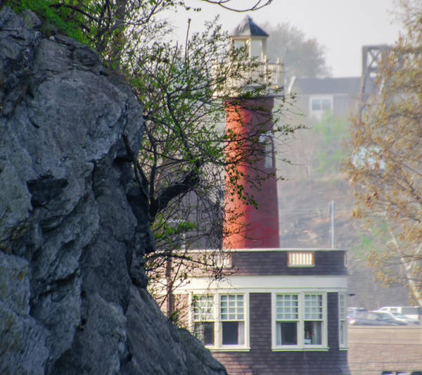 Photograph - Turtle Rock Lighthouse - Along Kelly Drive by Bill Cannon