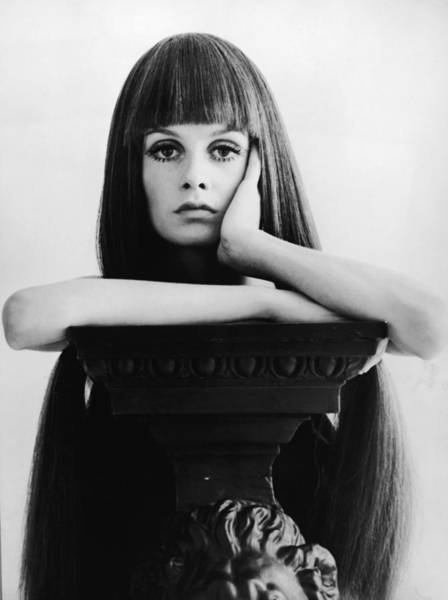 Bangs Photograph - Twiggy by Express Newspapers