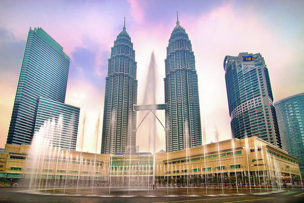 Southeast Asia Wall Art - Photograph - Twin Tower At Klcc by Seng Chye Teo
