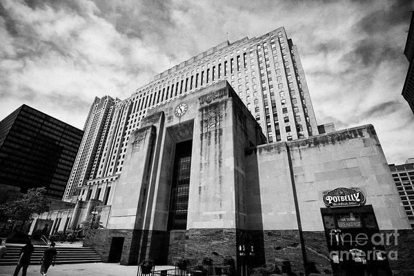 Wall Art - Photograph - two north riverside plaza the former chicago daily news building Chicago IL USA by Joe Fox