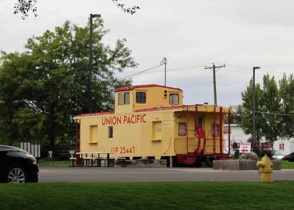 Wall Art - Photograph - Union Pacific Caboose by Paul Meinerth
