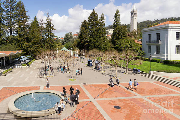 Photograph - University Of California At Berkeley Sproul Plaza Sather Gate And Sather Tower Campanile Dsc6219 by Wingsdomain Art and Photography