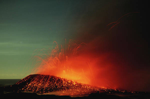 Big Island Photograph - Usa, Hawaii, Big Island, Volcanoes Np by Paul Souders