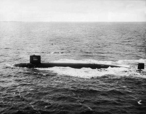 Usa Navy Photograph - Uss Thresher On Course by Pictorial Parade