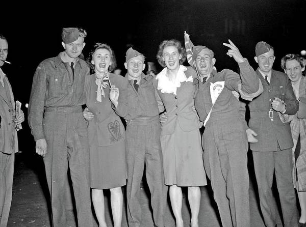 Painting - V-e Day Celebration, May 7, 1945b V-e Day In Vancouver by Celestial Images