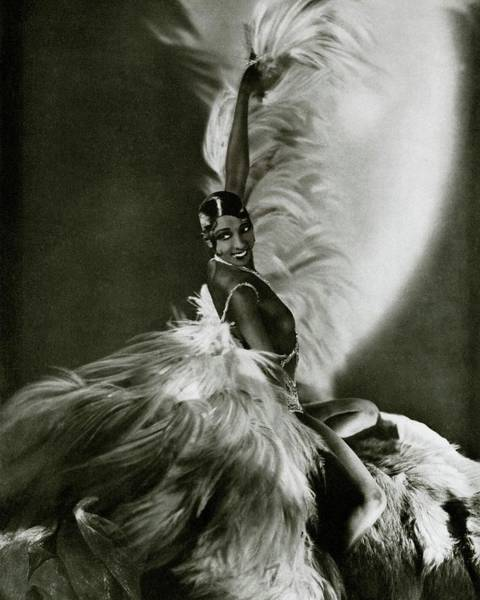 Photograph - Vanity Fair 1931 by George Hoyningen-huene