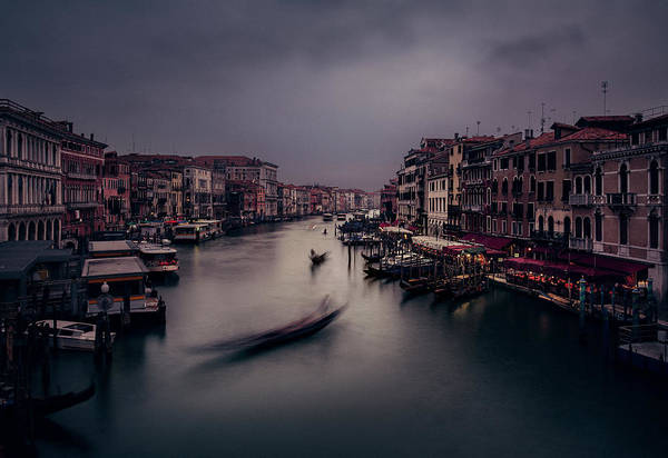 Photograph - Venetian Evening At Rialto by Suleyman Derekoy
