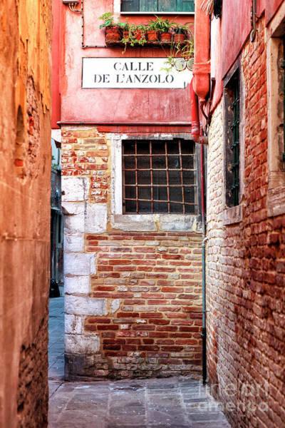 Calle Wall Art - Photograph - Venice Calle De L'anzolo by John Rizzuto