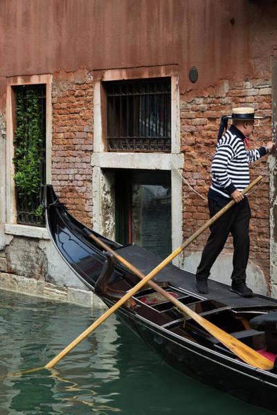 Photograph - Venice Gondolier by John Daly