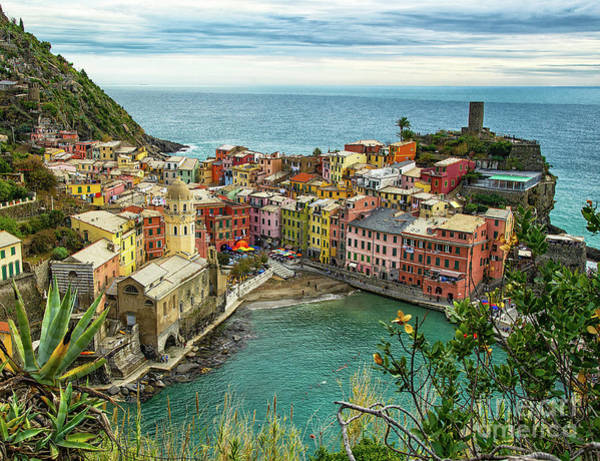 Photograph - Vernazza Cinque Terre View From The North by Wayne Moran