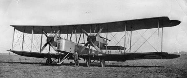 Bomber Photograph - Vickers Vimy Mk Viii by Topical Press Agency