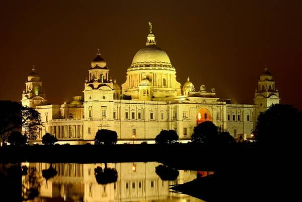 Kolkata Photograph - Victoria Memorial By Night With Water by Abhinav Mathur