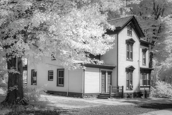 Photograph - Victorian Home At Waterloo Village by Susan Candelario