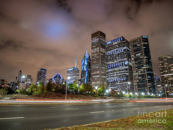 Photograph - View Of Chicago Skyscrappers With Busy Street In The Foreground by PorqueNo Studios