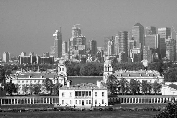 Square Mile Wall Art - Photograph - View Of Queens House And Canary Wharf From Greenwich Park by Aidan Moran