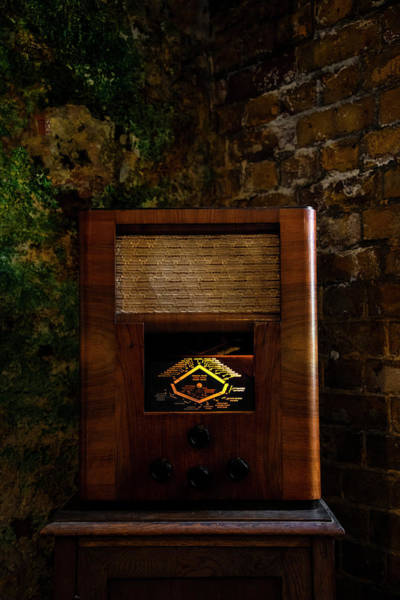 Wall Art - Photograph - Vintage Radio by Svetlana Sewell