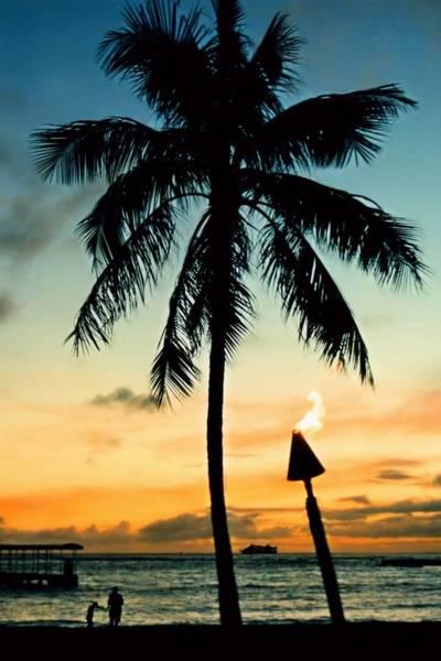 Hawaiiana Photograph - Waikiki Sunset by DJ Florek