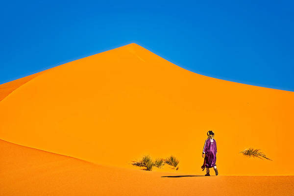 Photograph - Walking The Sahara Dunes - Morocco by Stuart Litoff