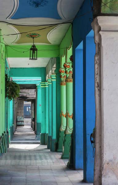 Wall Art - Photograph - Walkway, Corridor, Colonnade by Panoramic Images