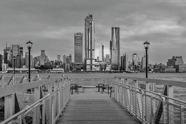 Photograph - Walkway To The New York City Skyline Bw by Susan Candelario