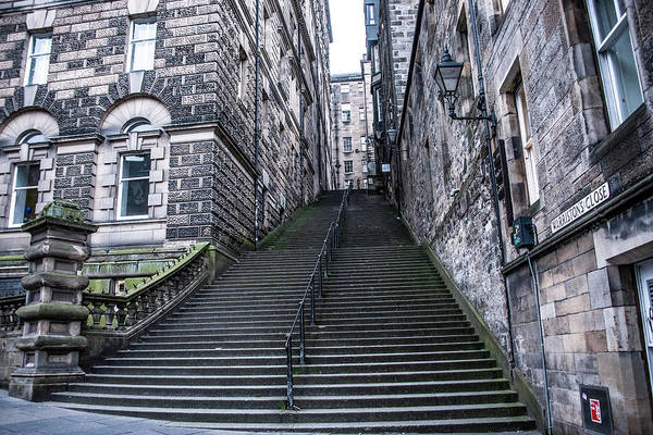 Photograph - Warristons Close - Edinburgh Scotland by Bill Cannon