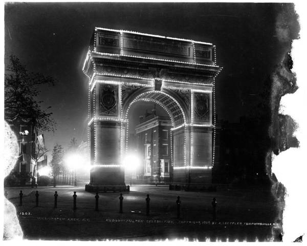 Washington Square Park Photograph - Washington Arch In New York City, New by P. L. Sperr