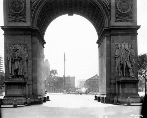 Washington Square Park Wall Art - Photograph - Washington Square Arch Facing South by The New York Historical Society