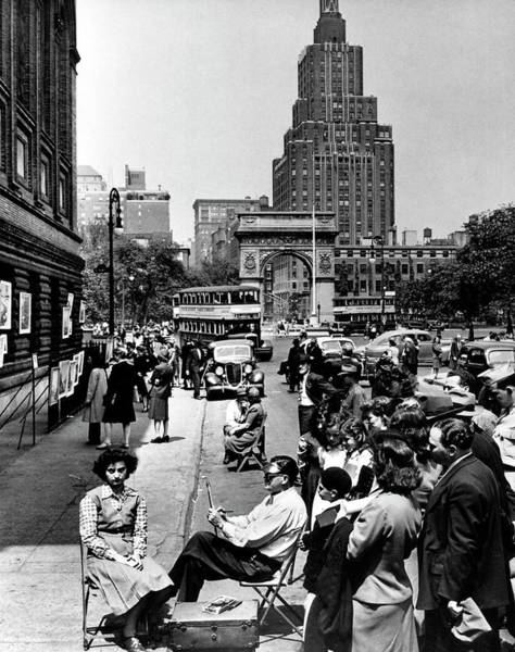 Washington Square Park Photograph - Washington Square Art Show.  Photo By A by Alfred Eisenstaedt
