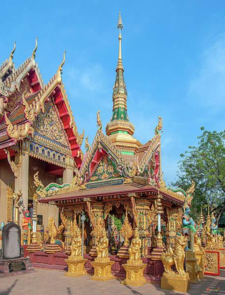 Photograph - Wat Tai Phrachao Yai Ong Tue Montop Phet Chet Saeng Dthu0323 by Gerry Gantt