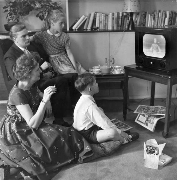 Drink Photograph - Watching Tv by Bert Hardy