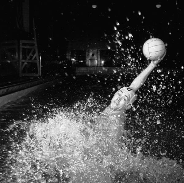 Pool Ball Photograph - Water Polo Pass by Orlando