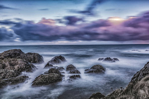 Waves At The Shore Art Print