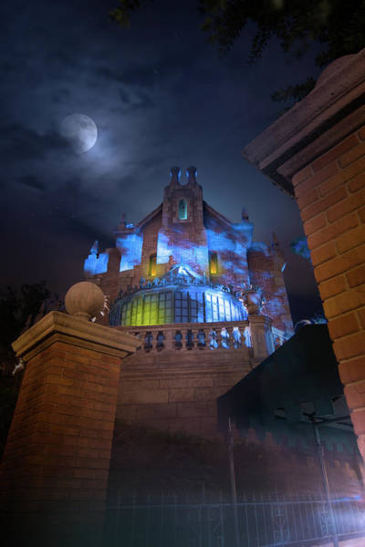 Wall Art - Photograph - Welcome To The Haunted Mansion by Mark Andrew Thomas
